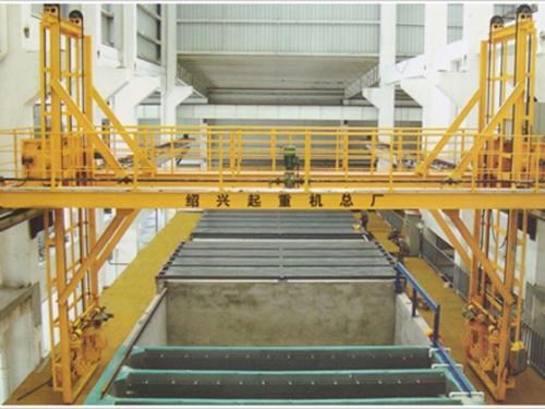 铝型材氧化线专用起重机